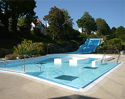 Piscine landerneau aqualorn for Piscine landerneau